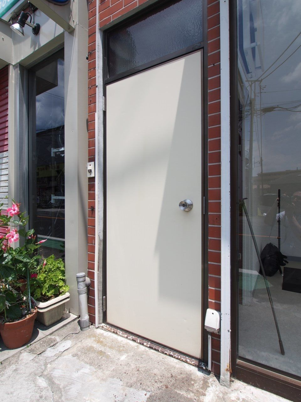 2階部分は店舗内からも外部からもアクセス可能