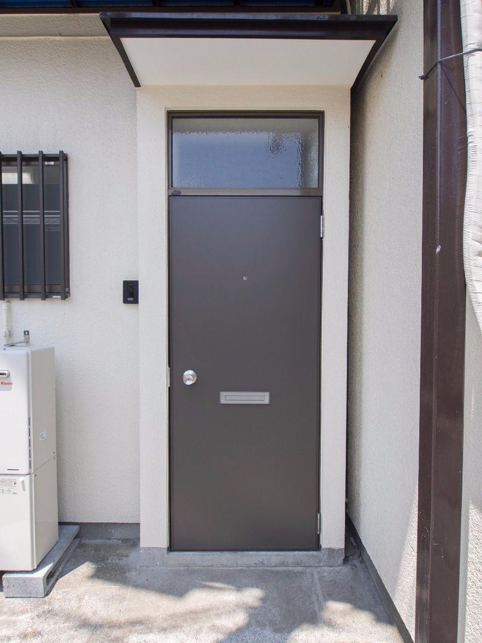 玄関ドアも取り替えました