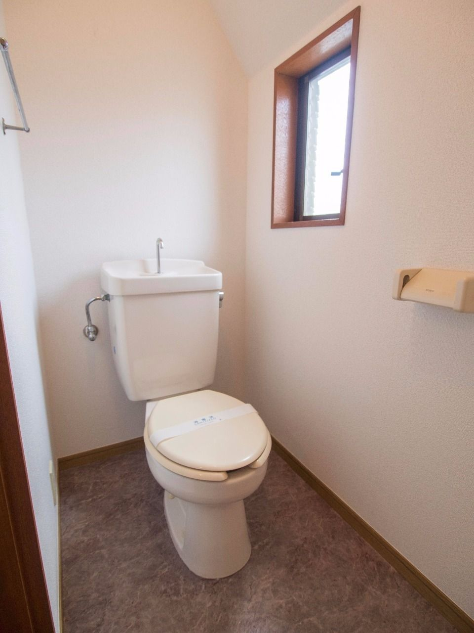 窓のあるトイレ