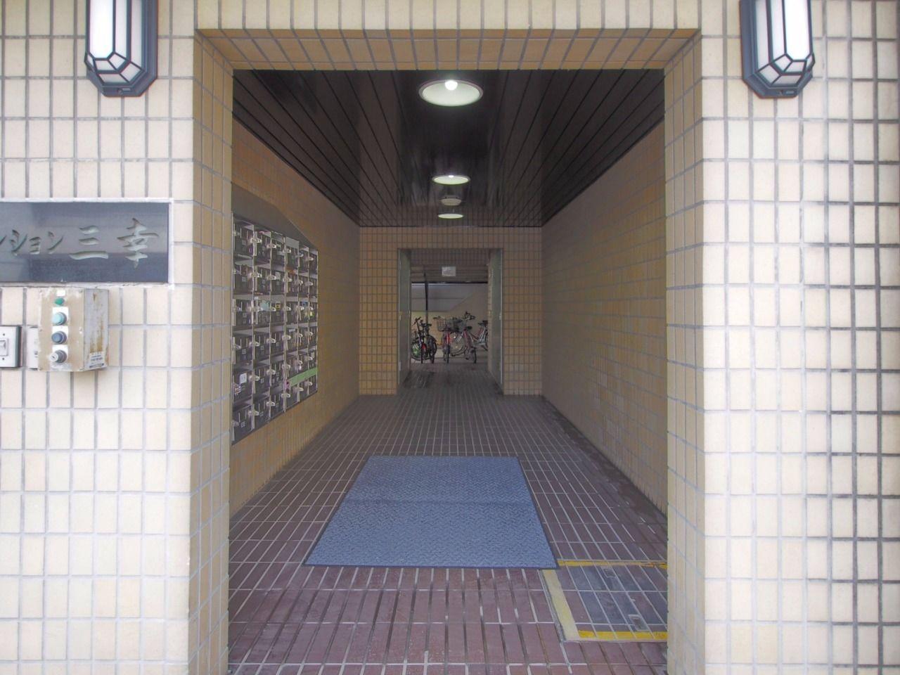 建物共用部分へのアプローチ