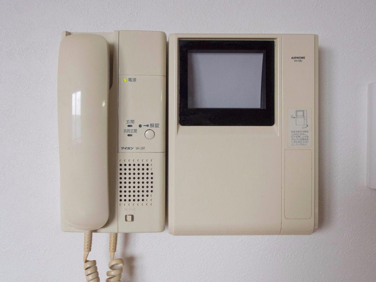 オートロックの操作盤も兼ねたインターホン受話器