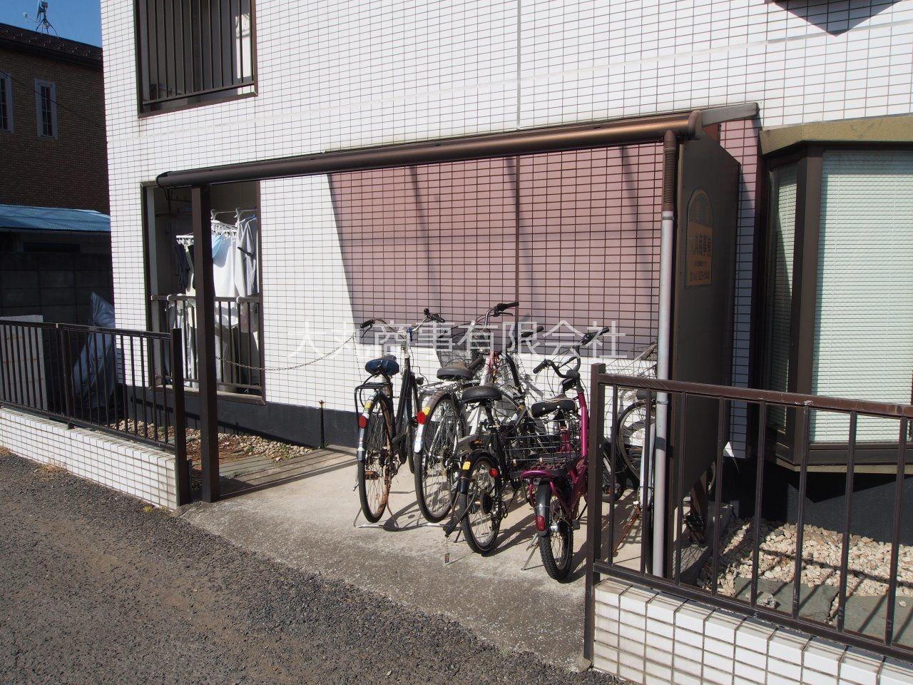 自転車置場には屋根があります