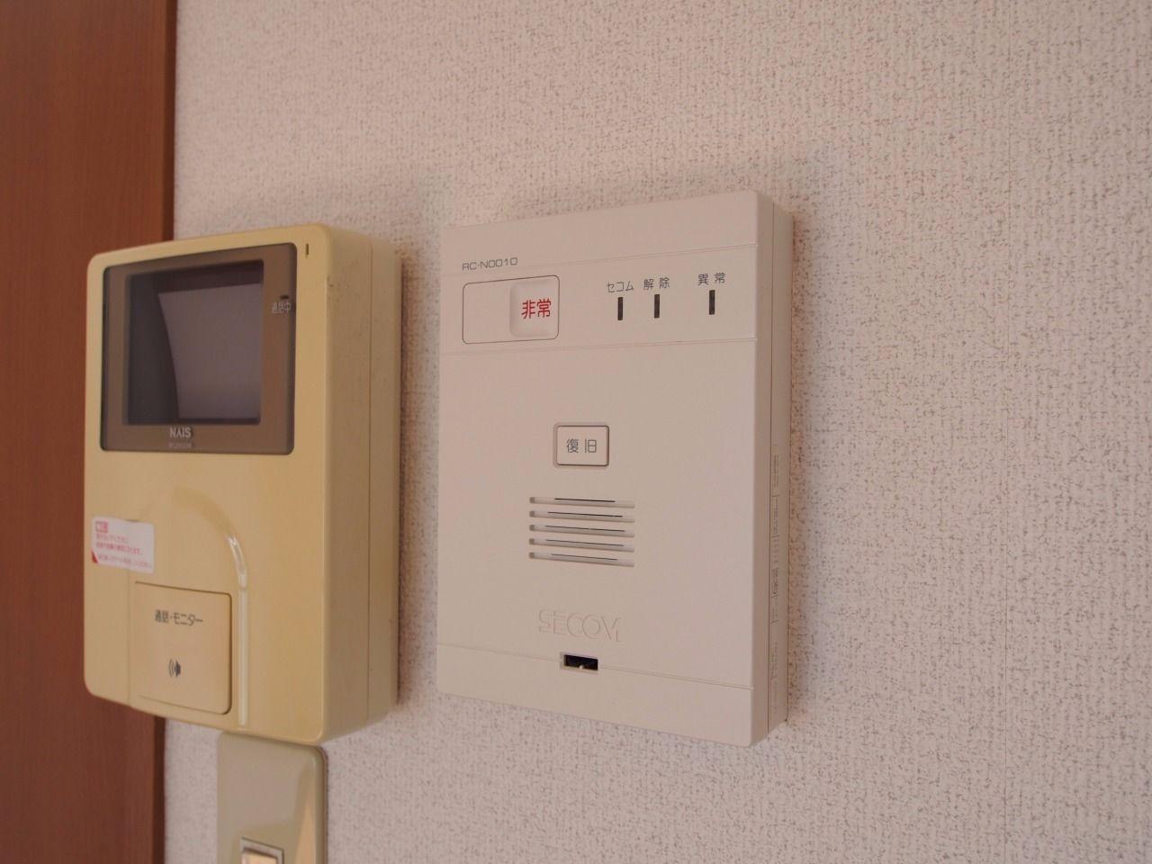 モニター付インターホンとセコムのコントローラー