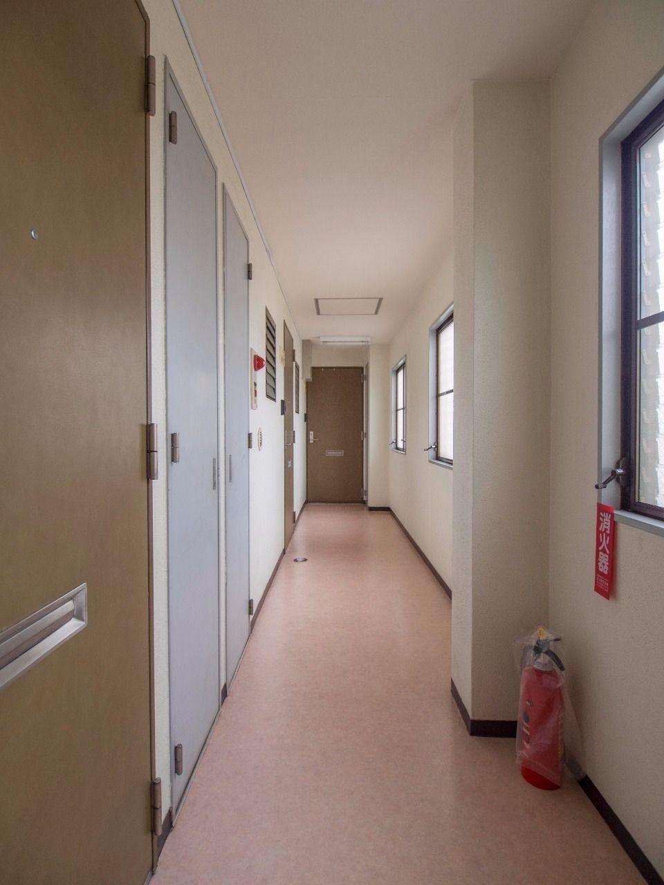 女性にも安心な建物内共用廊下