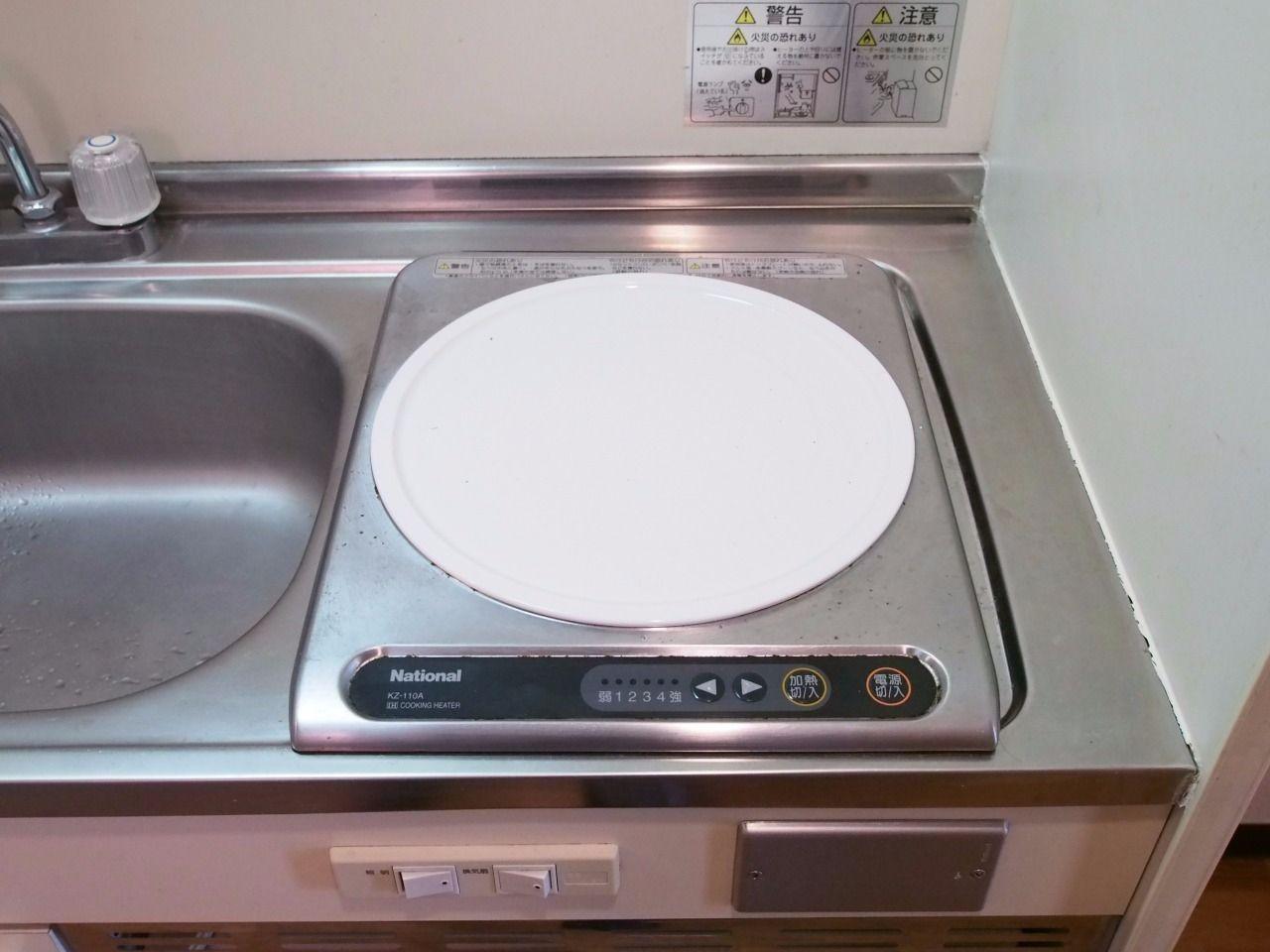 キッチンのコンロは100vのIH