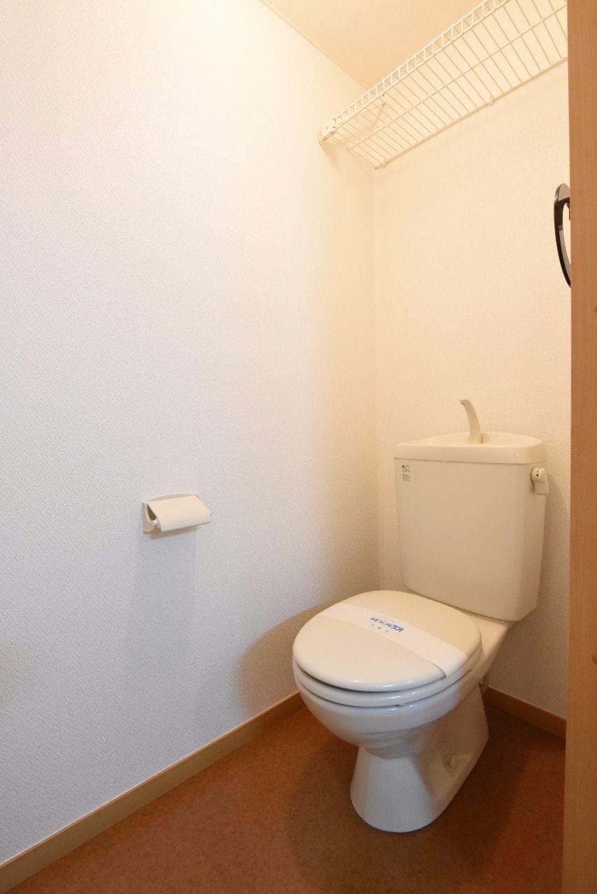 便利な上棚付トイレ