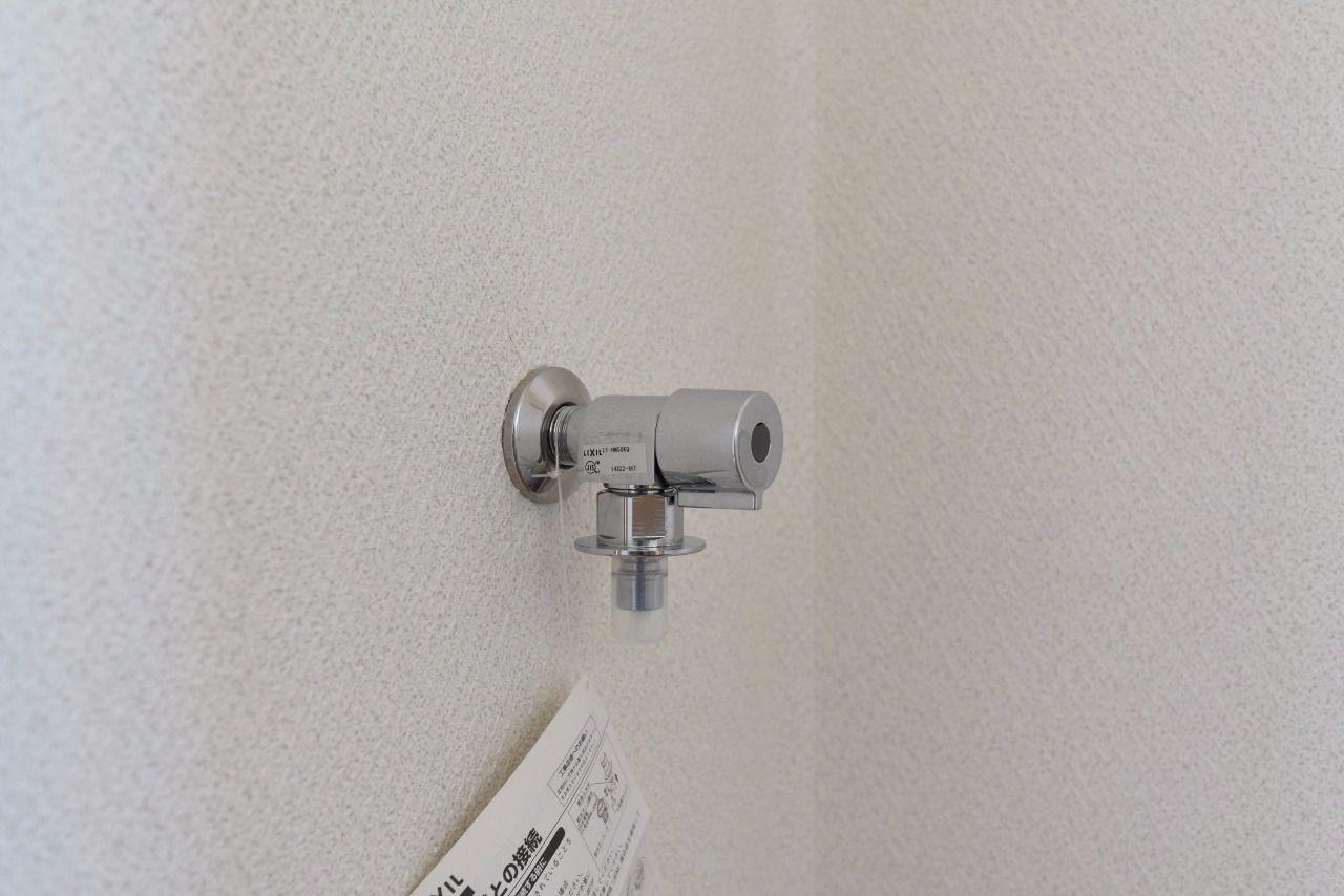 洗濯機置場の水栓はワンタッチ式