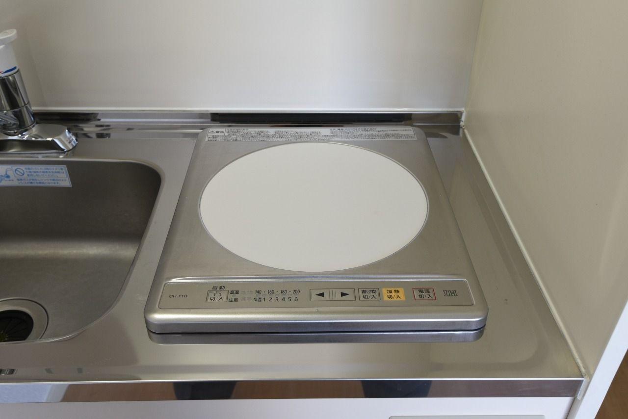 キッチンコンロは100vのIHコンロ