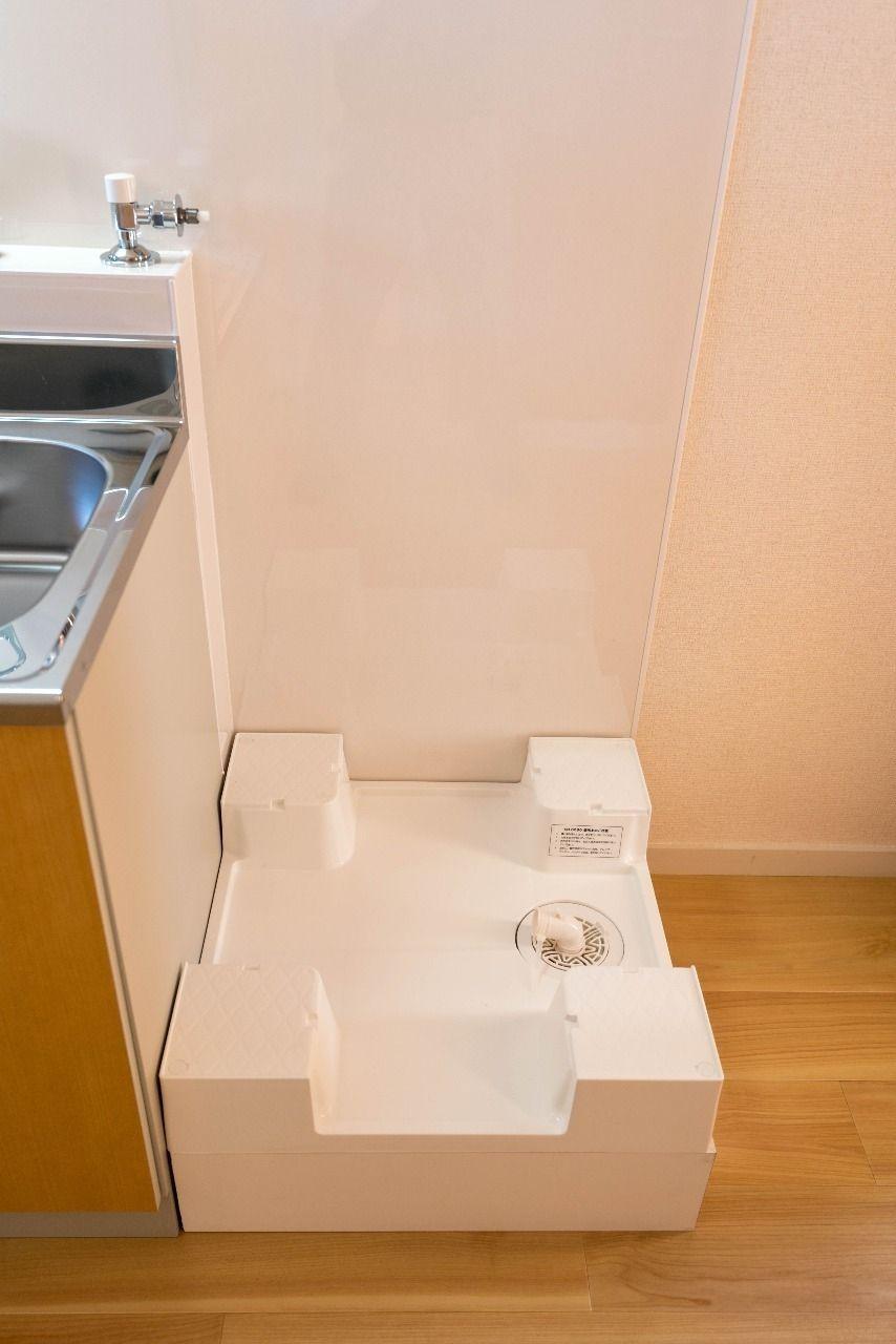 キッチン横の洗濯機置場(ドラム式対応)