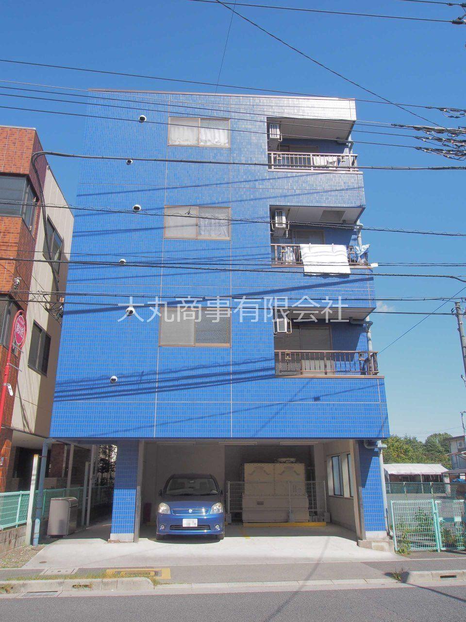 屋根付きの駐車場