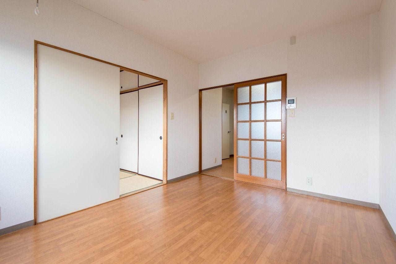 洋室の床はう汚れに強いクッションフロア