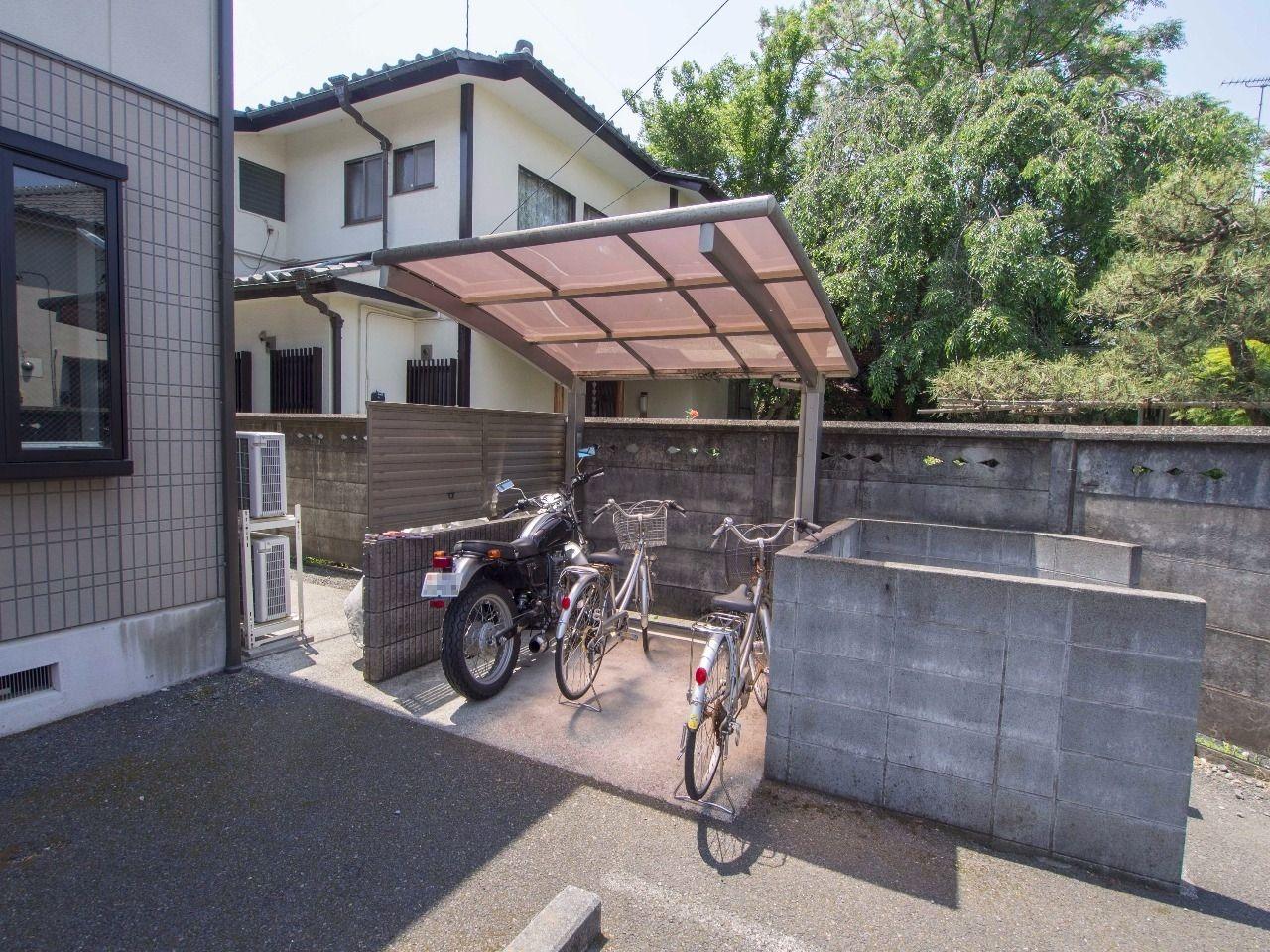 雨から大切な自転車を守ります