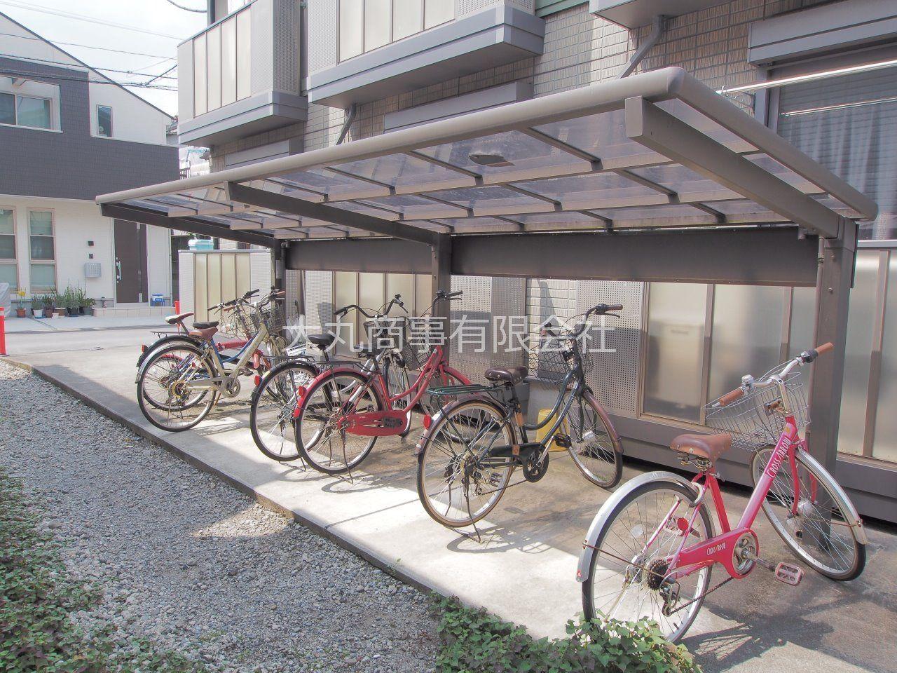 大型バイクも相談可能な駐輪場