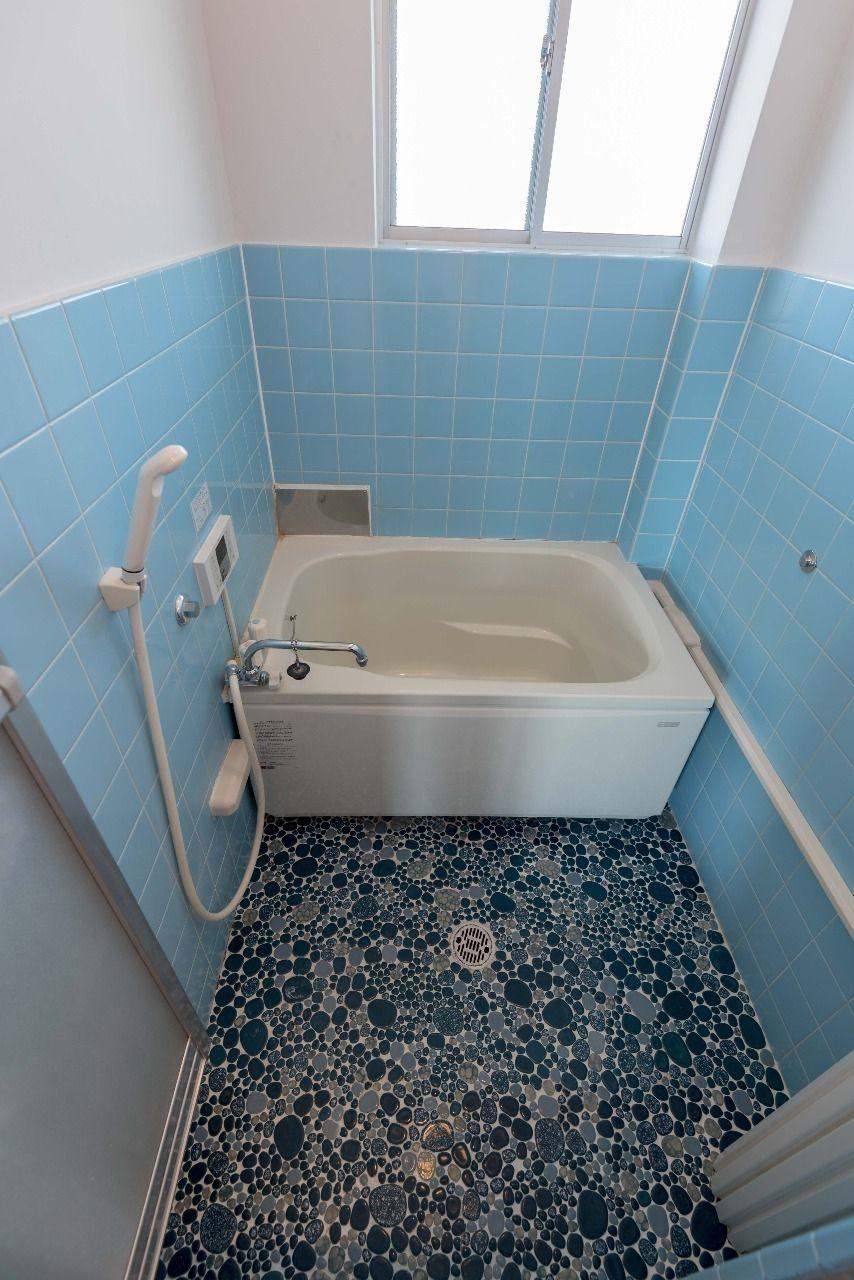窓のある浴室は追い焚き機能付オートバス