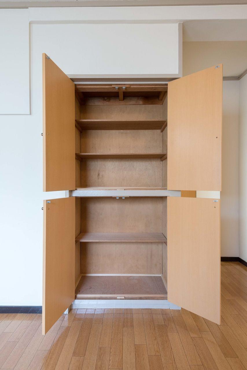 食器棚として利用可能な収納