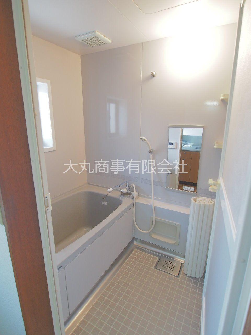 窓のある浴室は、入浴後の換気もしっかりできます。