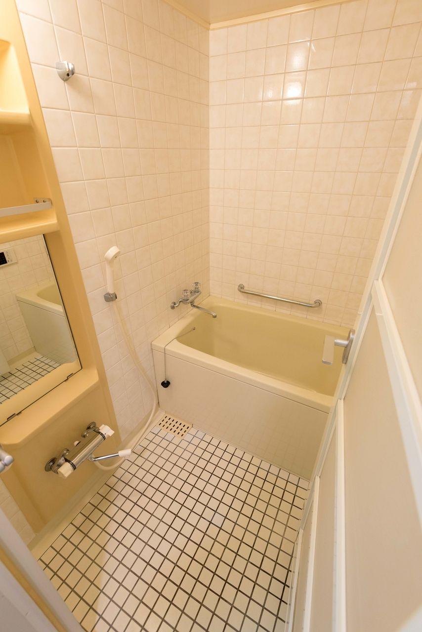 追焚・自動お湯張り機能付きの浴室