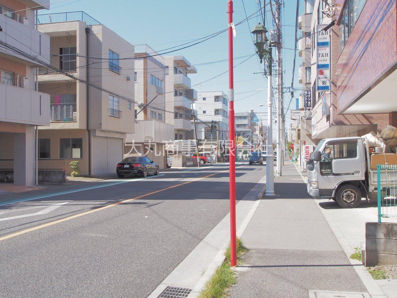 建物前から西立川駅方面