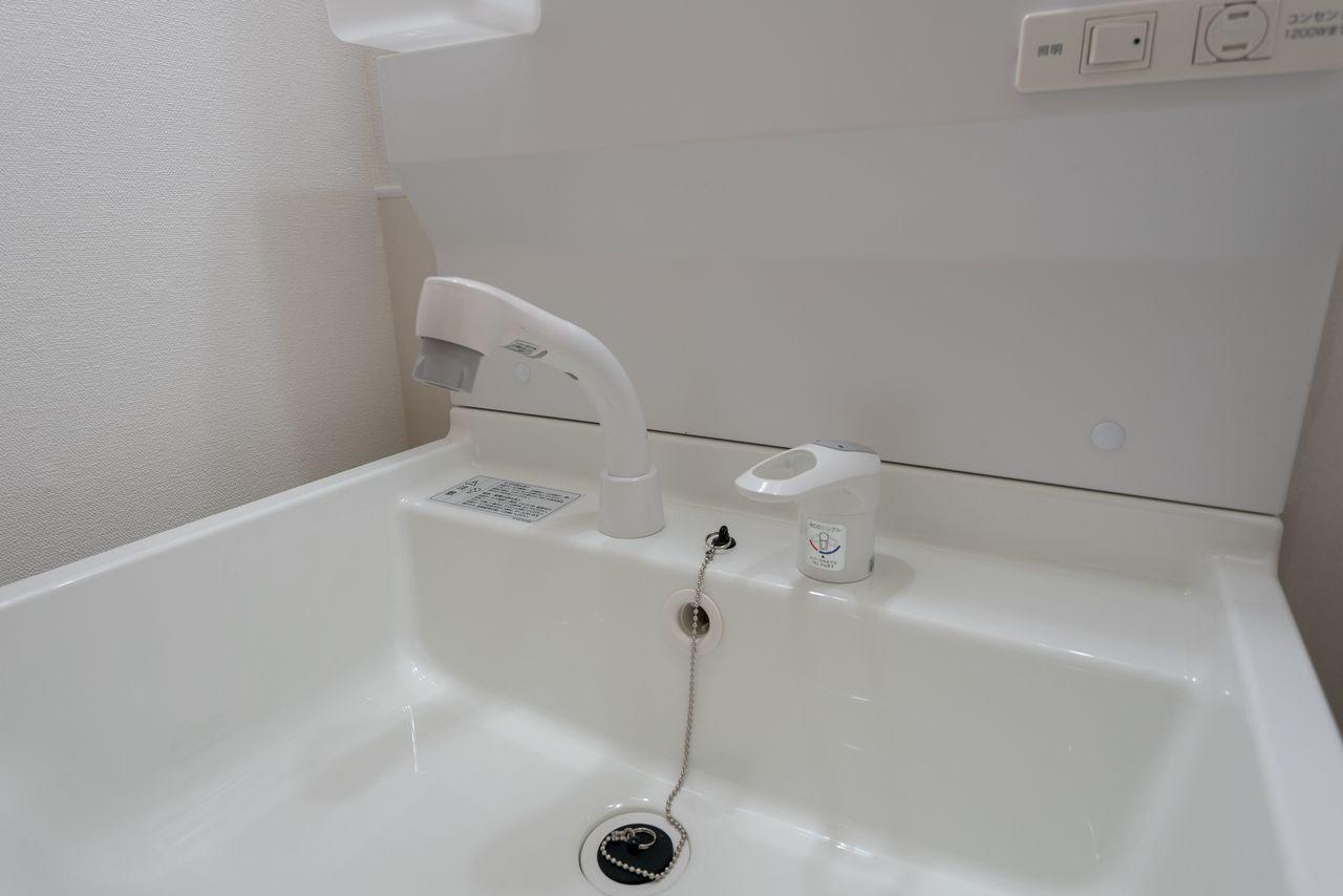 高さ調整機構付きのシャワー付水栓
