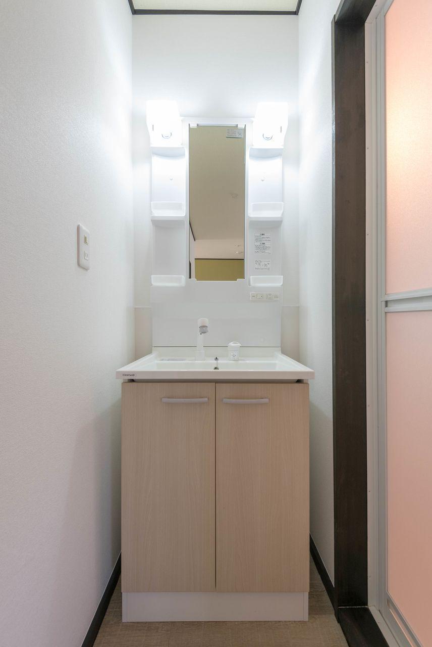 洗面台下収納もある便利な洗面台