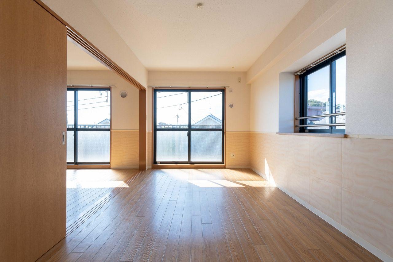 開口部が広く、2面採光で風通しの良いお部屋