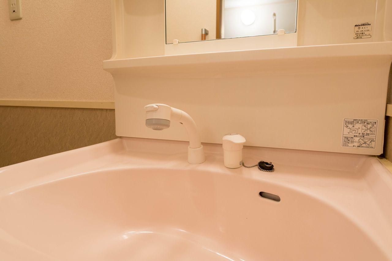 高さ調整機構付きの使いやすい洗面水栓
