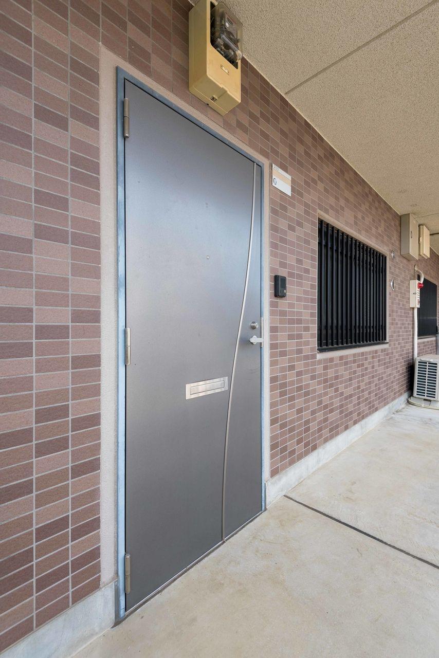 高級感のある玄関ドア