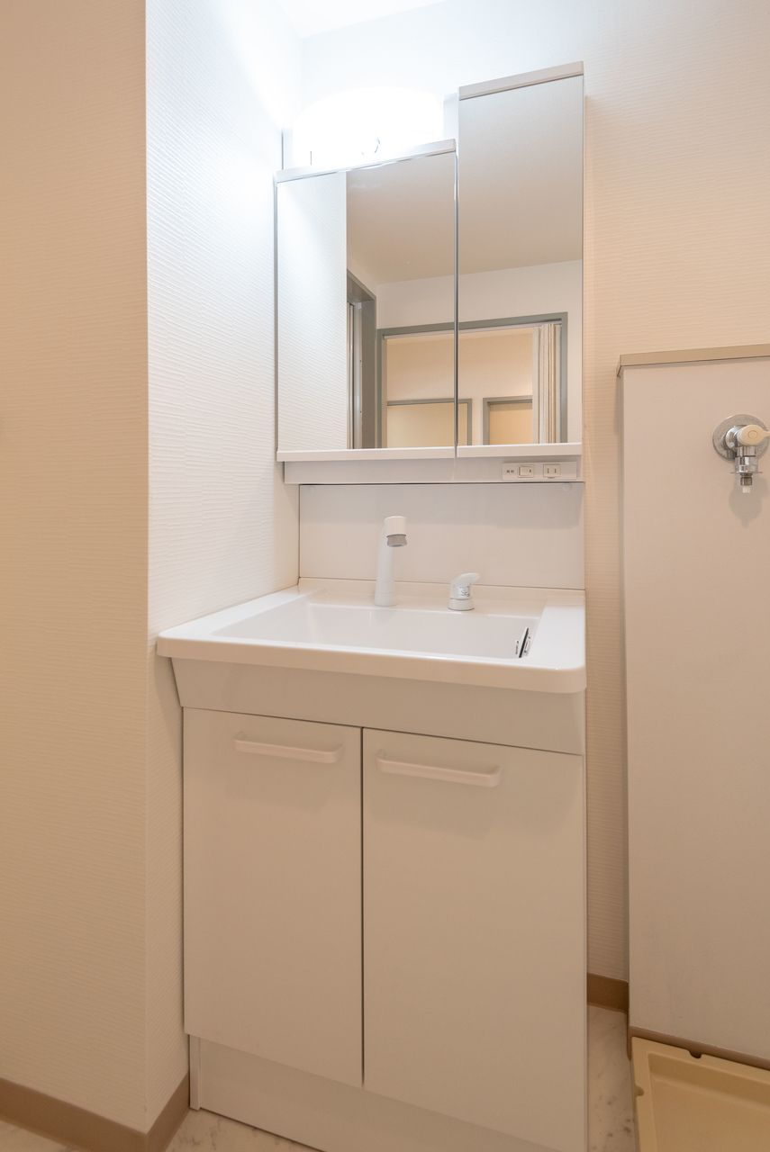 洗面台下の収納も便利です
