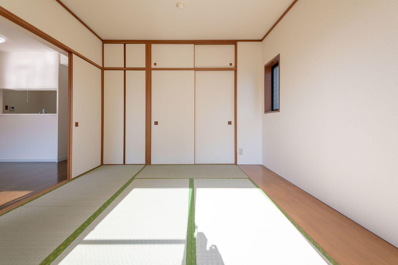 寝転べて階下への防音効果も高い和室