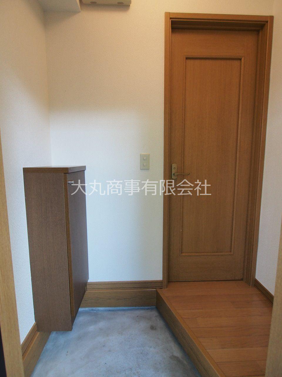 玄関と居室の間にドアがあり、来訪者からプライバシーを守れます