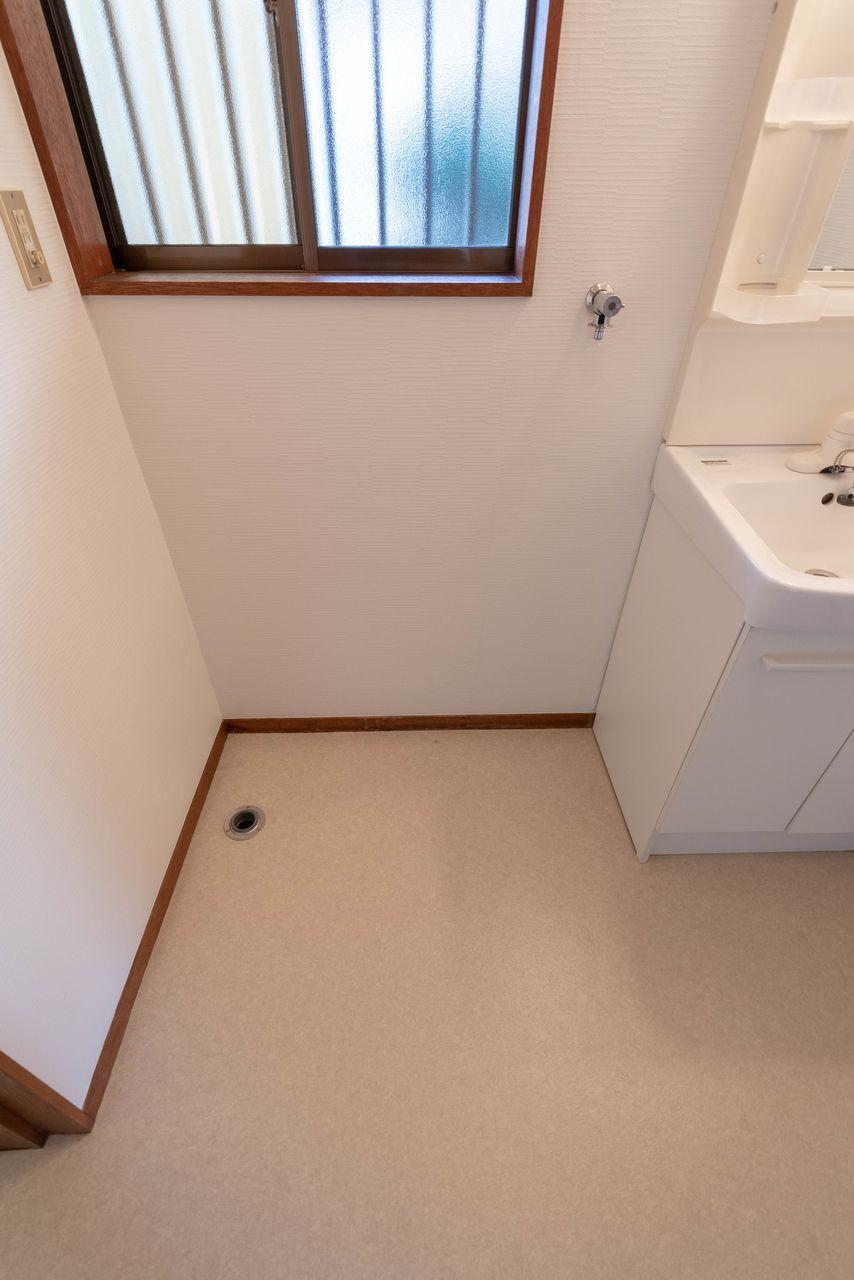防水パンのないタイプの室内洗濯機置場