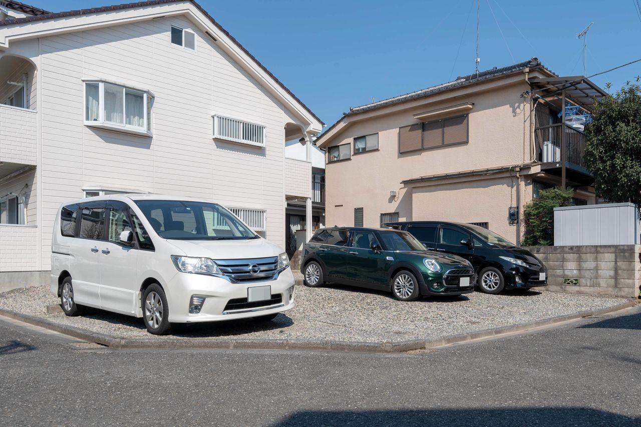 1世帯1区画確保されている駐車場