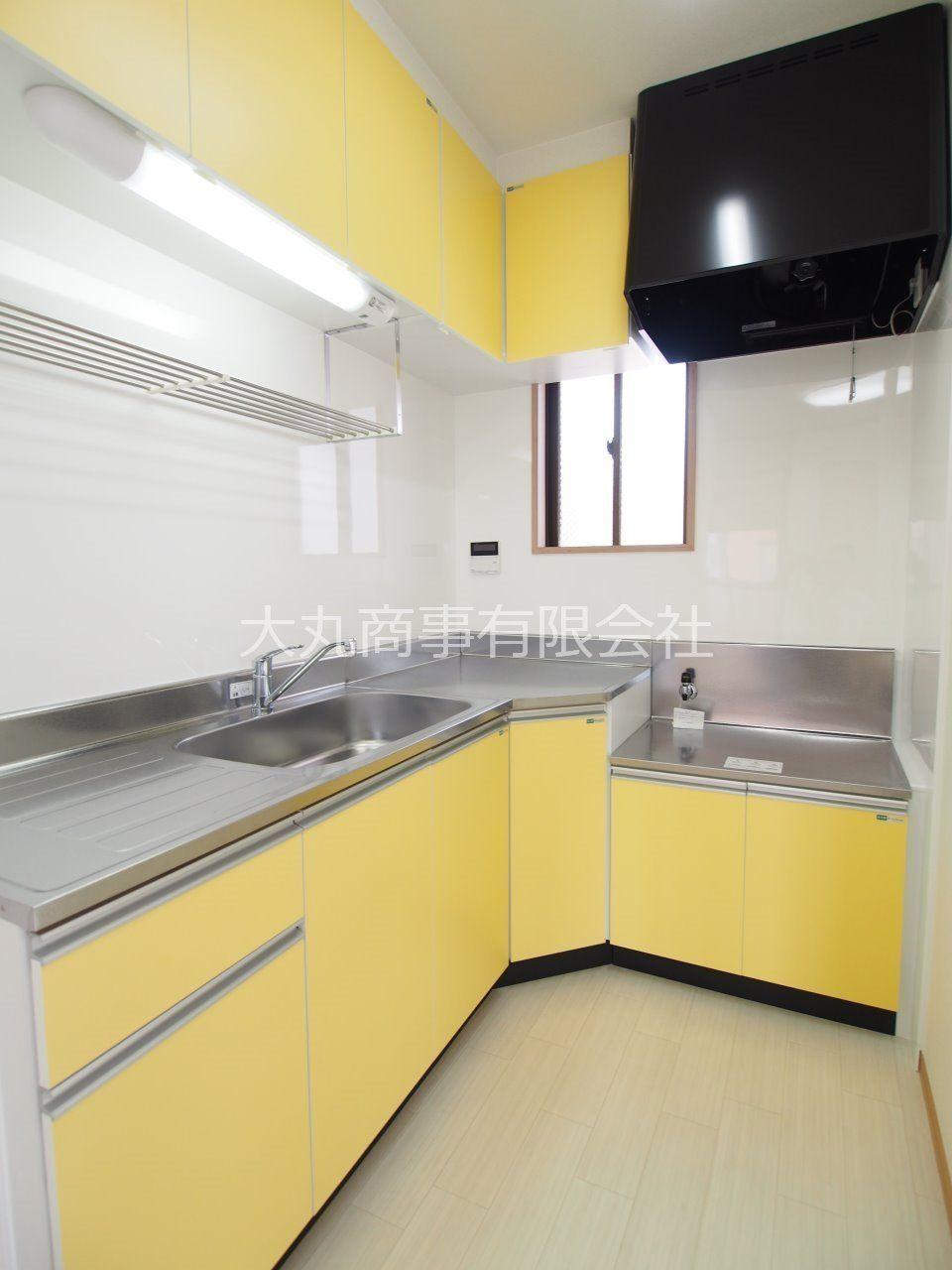 調理の際の動線に配慮したL字型キッチン