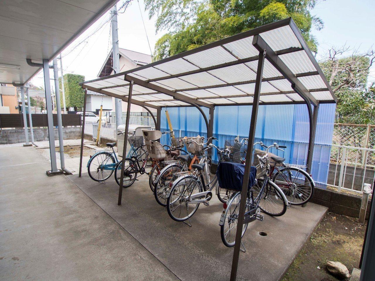 屋根付きの自転車置場