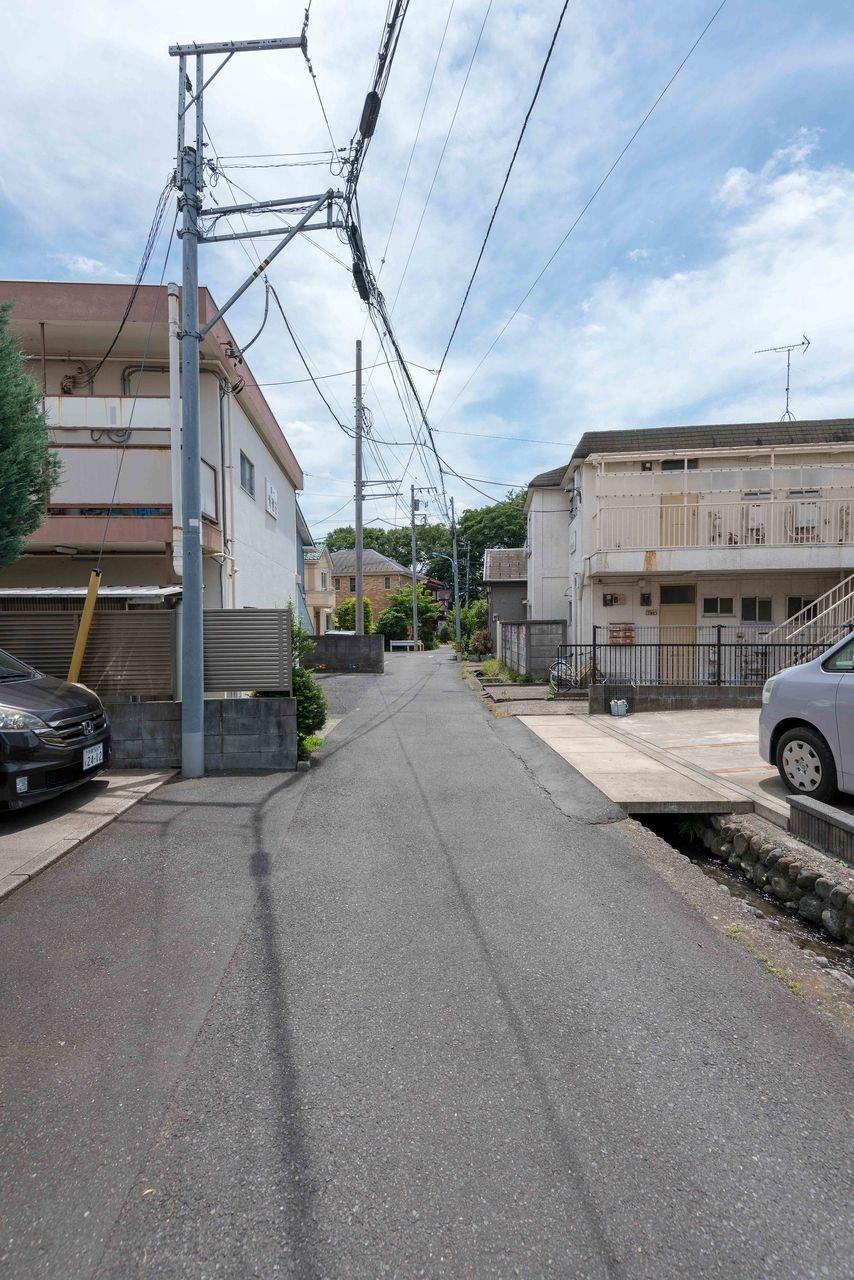 第一清雅荘の前面道路