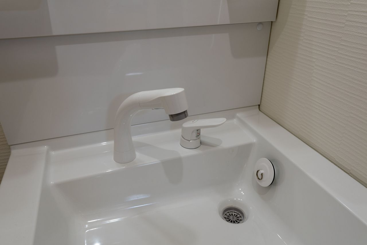 シャワー水栓にもなる便利な洗面水栓