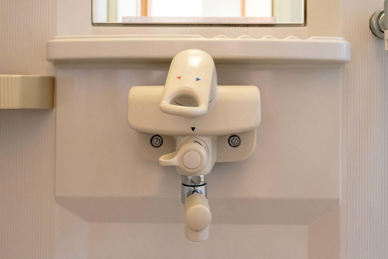 カラン・シャワーの切替もラクな水栓