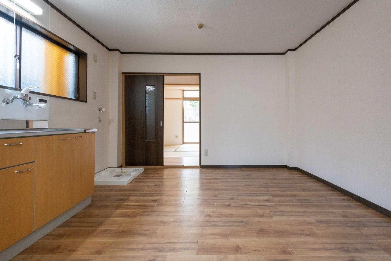 フローリングのような雰囲気の床材