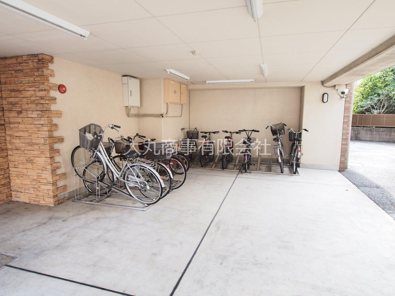 自転車ラックのある自転車置場