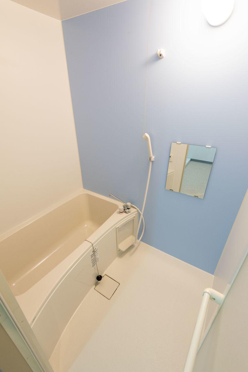 爽やかな風合いのバスルーム