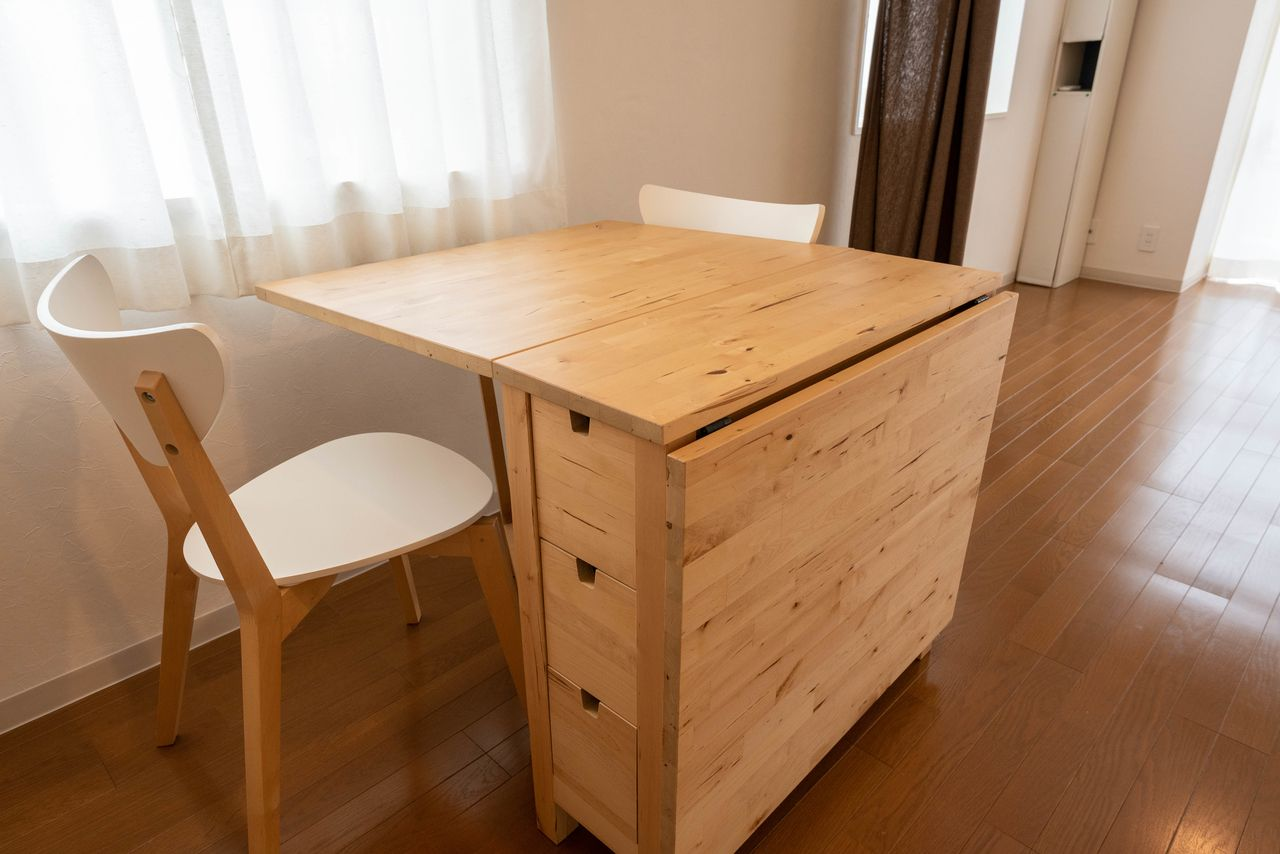 収納ボックス付のテーブル