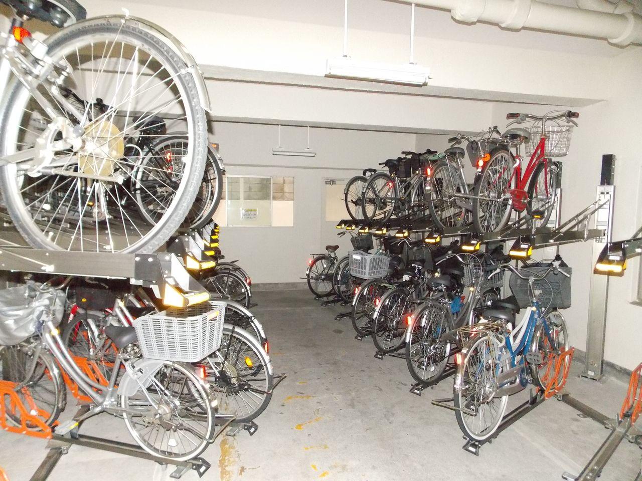 ラック式の自転車置場