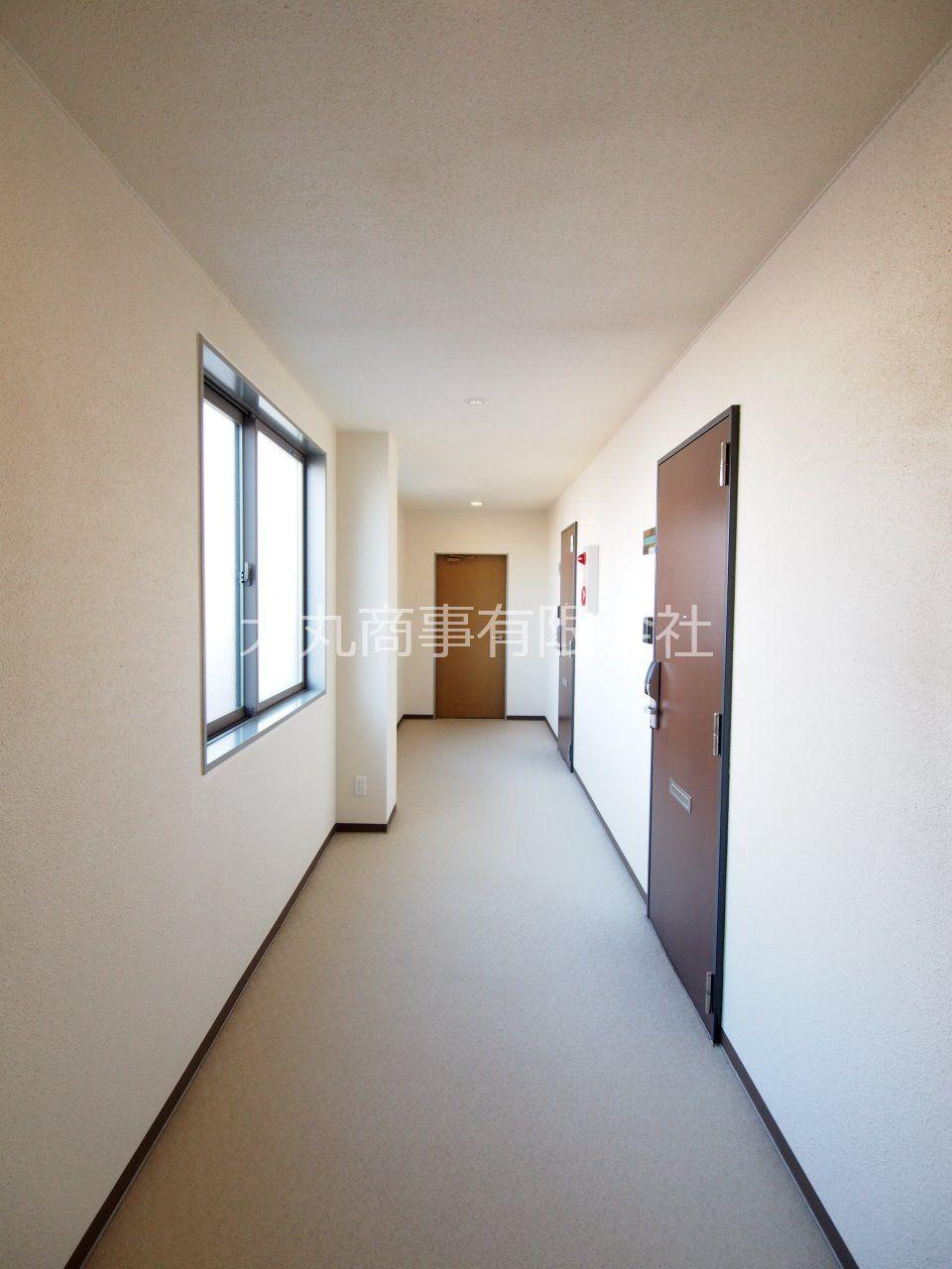 お部屋まではホテルライクな内廊下で
