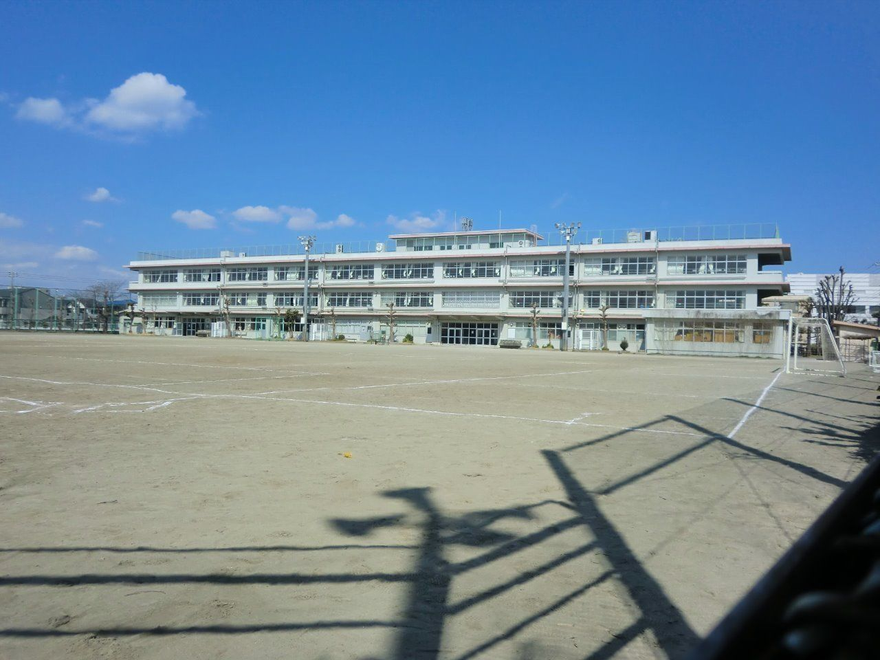 田中アパートから「約830m」