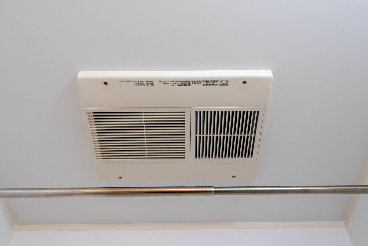 Panasonic製の便利な乾燥機