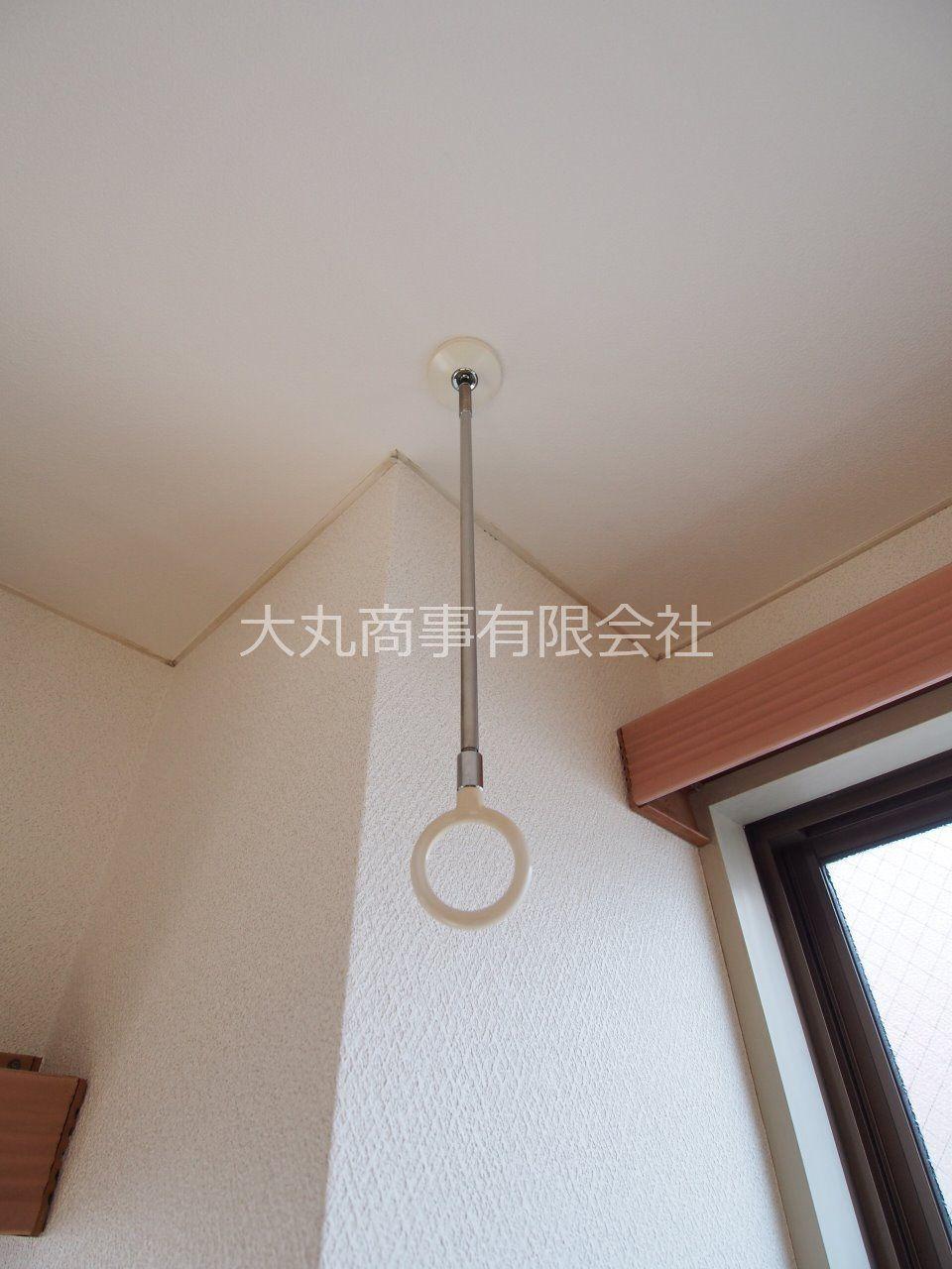 竿を通せば室内干しが可能
