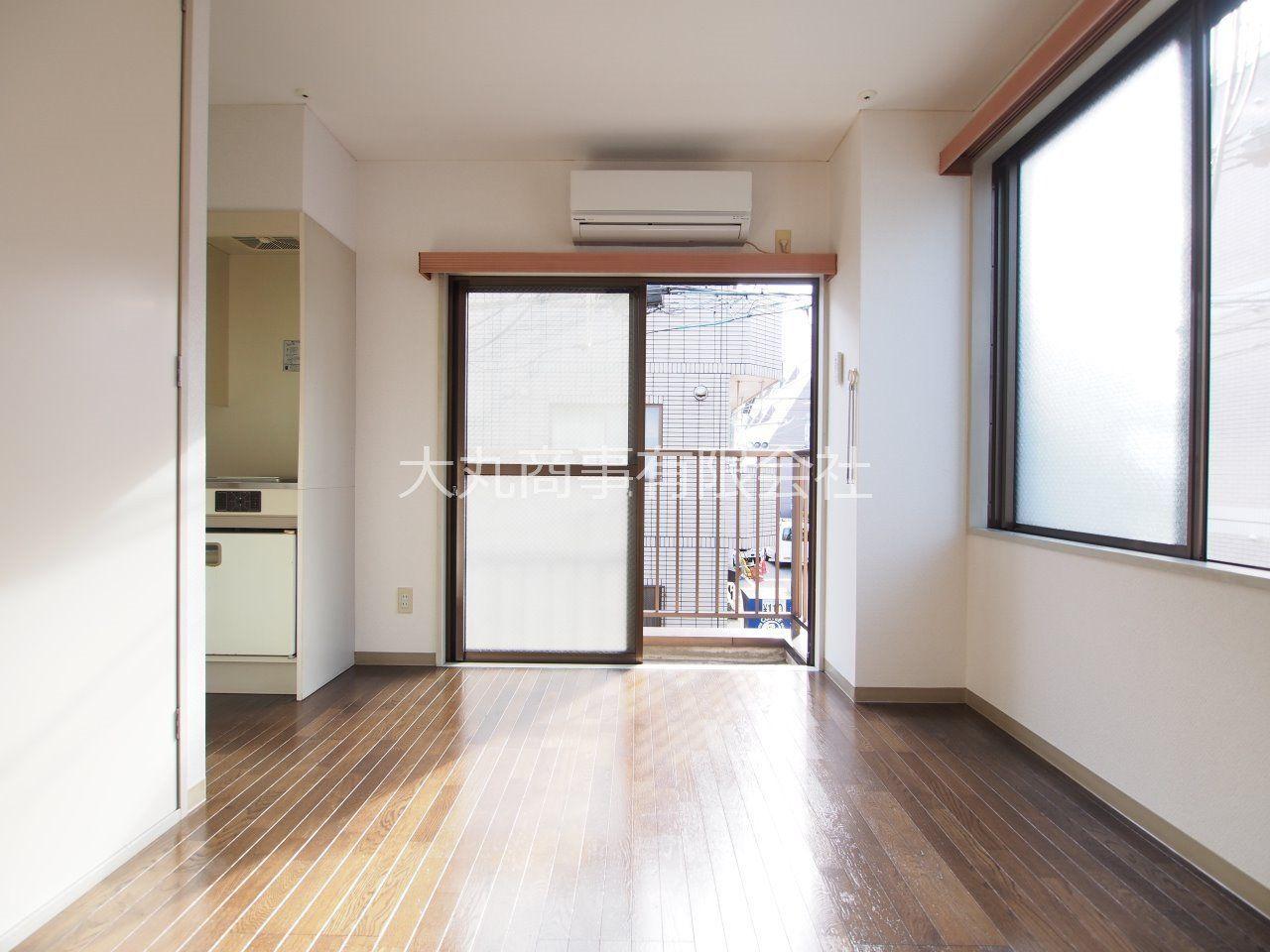 お部屋は南西角部屋、2面採光で陽当り良好