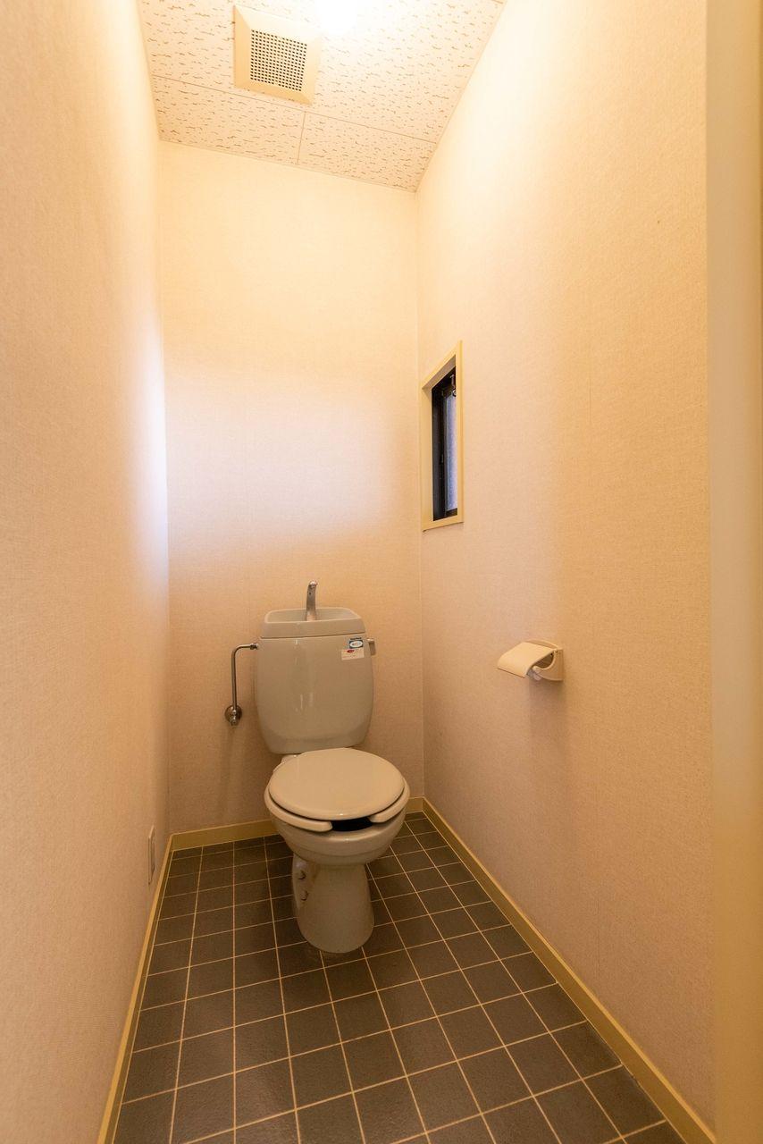 窓のあるトイレで換気も良好