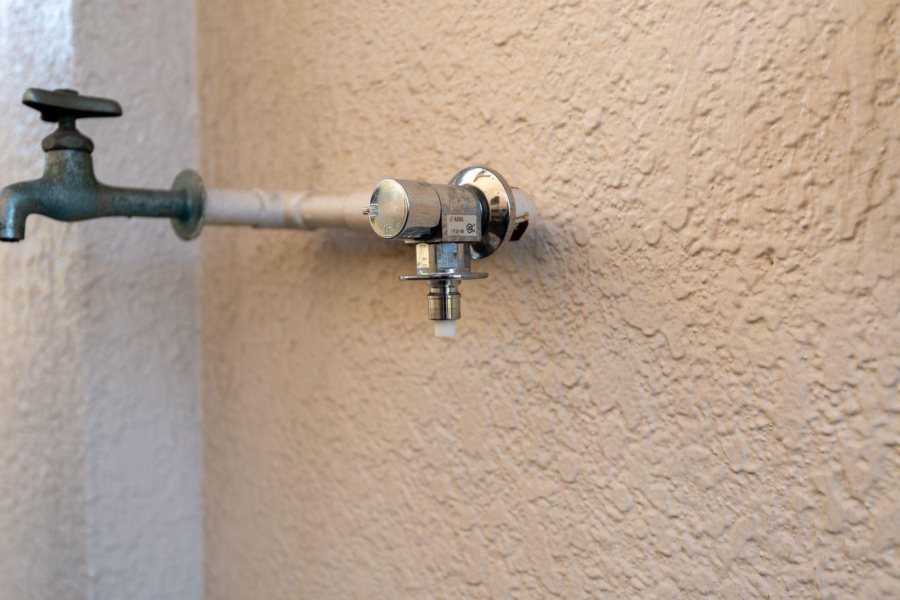 ワンタッチ式の水栓