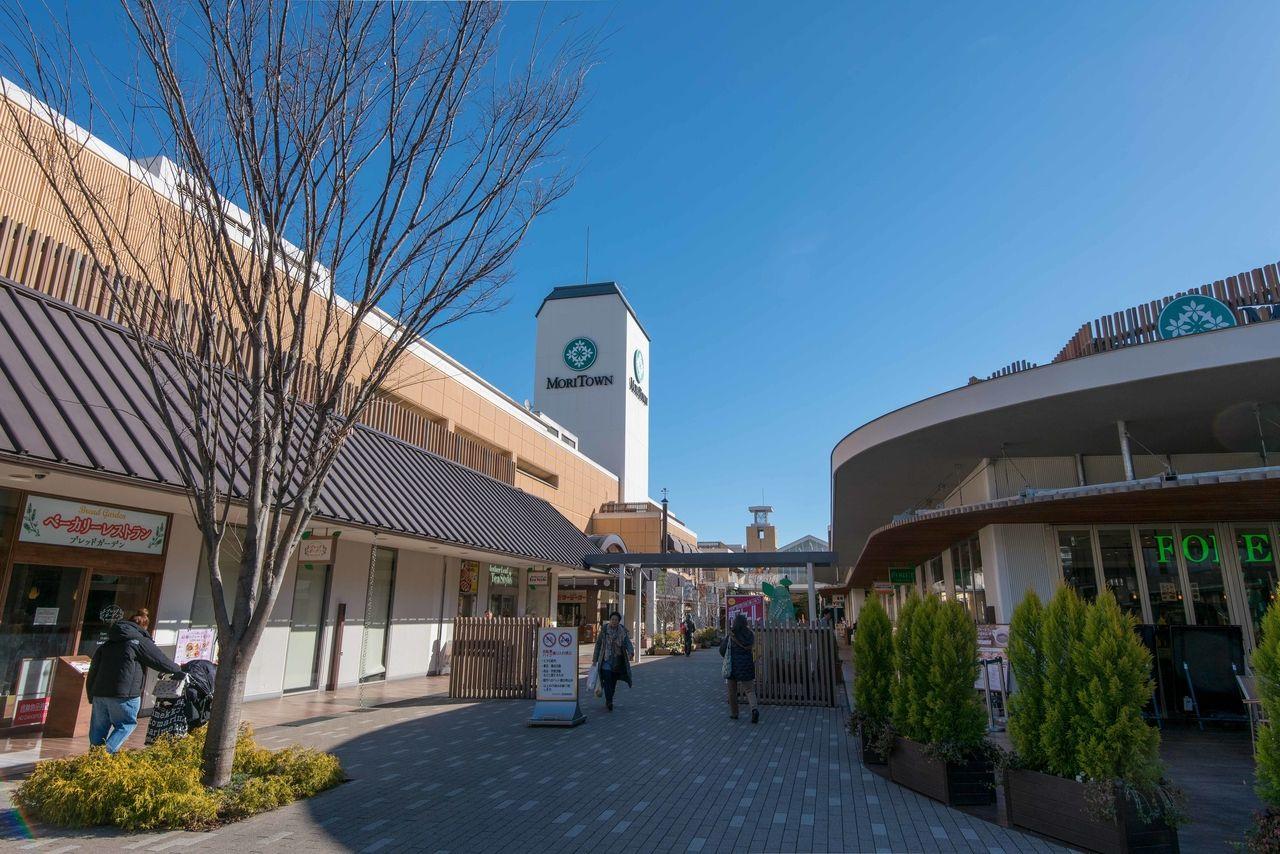 昭島駅前のショッピングモール